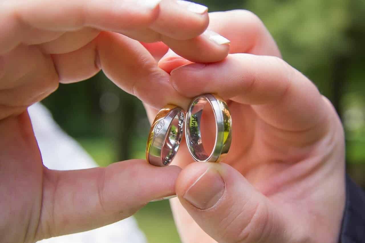Papa, warum tauscht man Ringe beim Heiraten?