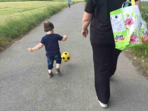 Wie bekomme ich mein Kind wieder zum Auto?